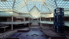 Exploring a Huge Abandoned Mall - 1 Million Sq Ft!...