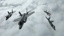 Impressive Formation of F-22s and F-35s over Norwa...